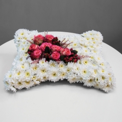 Chrysanthemum funeral cushion
