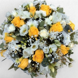 Posy pad in yellow and white