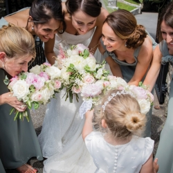 Bridesmaid bouquets in white and pink